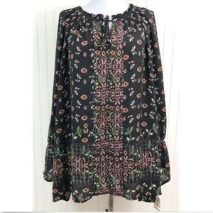 Style & Co. NWT Blouse Floral V-Neck L/S Black